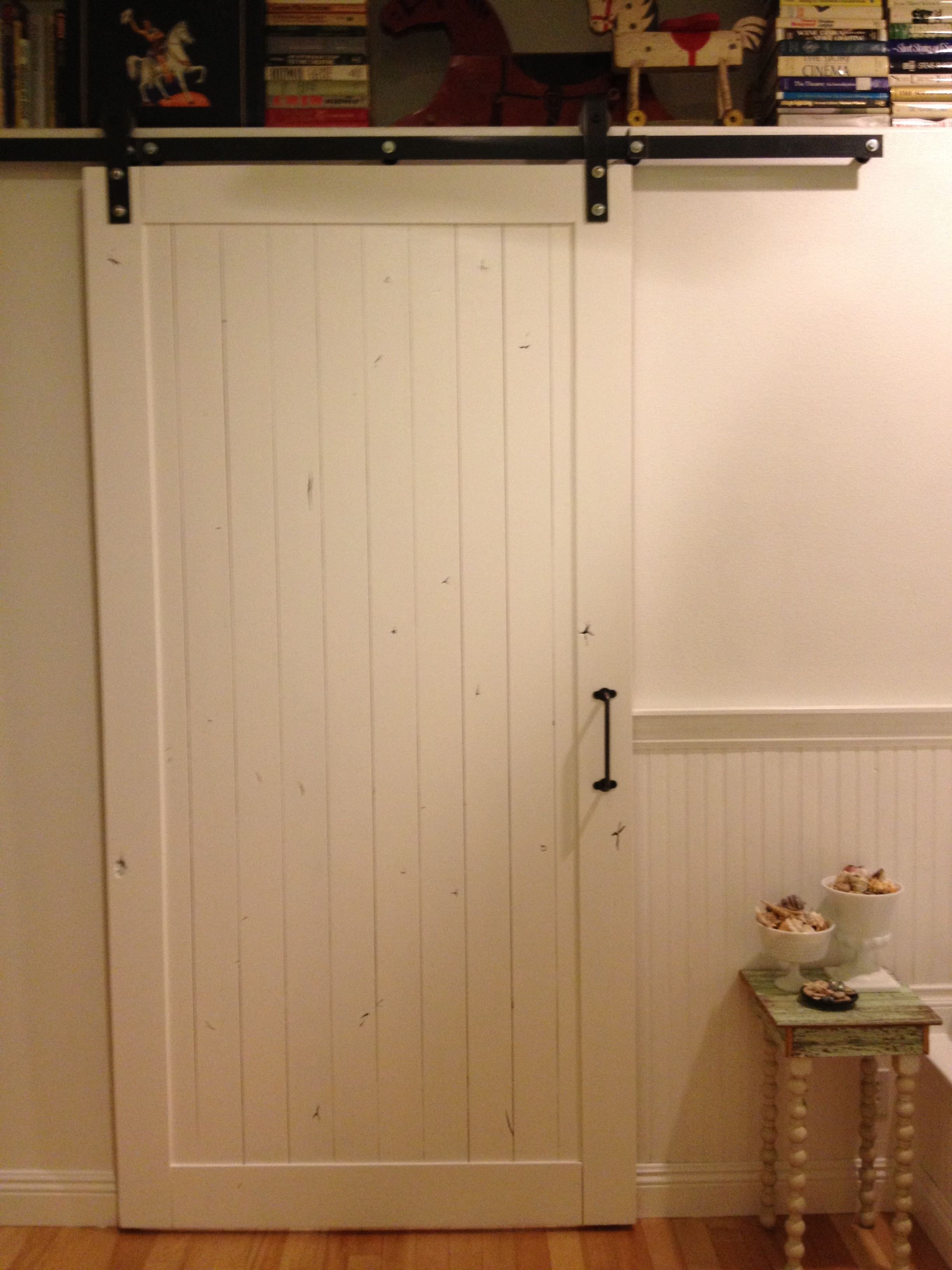 Diy guess who installed her own sliding barn door for Door hardware ideas